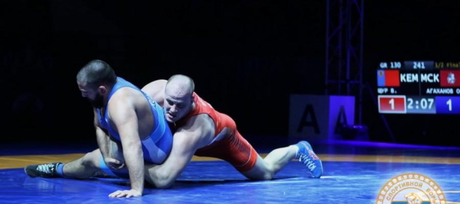 Виталий Щур впервые в карьере выиграл чемпионат России