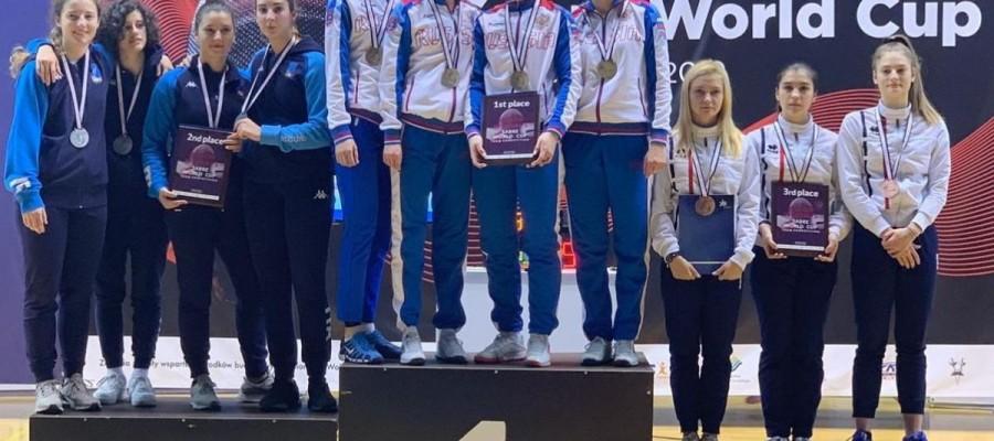 Анна Смирнова — победительница юниорского этапа Кубка мира по фехтованию на сабле