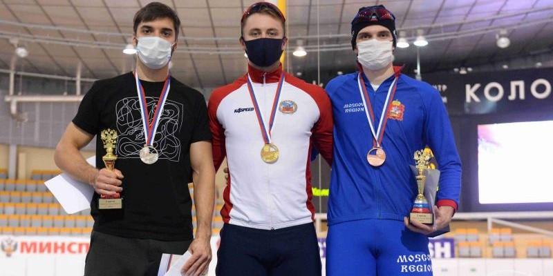 Виктор Муштаков — чемпион России на дистанции 1000 метров