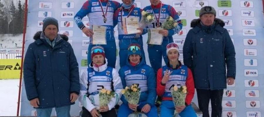 Олег Домичек выиграл большой масстарт на первенстве России среди юношей 17−18 лет. У Екатерины Копорулиной бронза