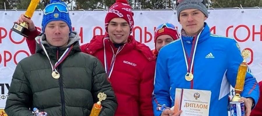 Никита Денисов выиграли эстафету на юниорском первенстве России в составе сборной СФО-1