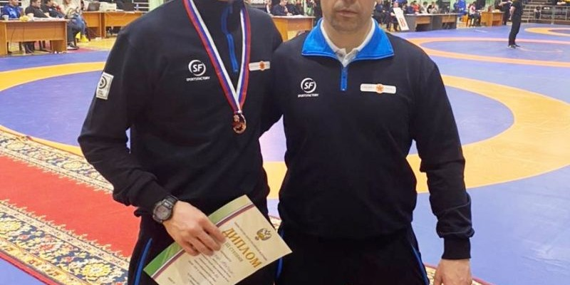 Юрий Тапаа и Максим Новичихин — бронзовые призеры первенства России среди борцов до 24 лет