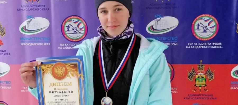 София Штиль заняла второе место на Всероссийских соревнованиях по гребле на байдарках и каноэ среди спортсменов до 19 лет