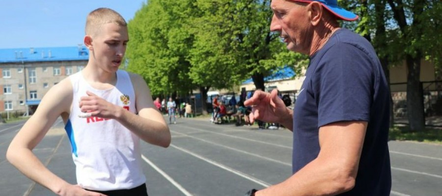 Серьёзная высота. Артём Поздняков занял третье место в первенстве России среди спортсменов до 18 лет