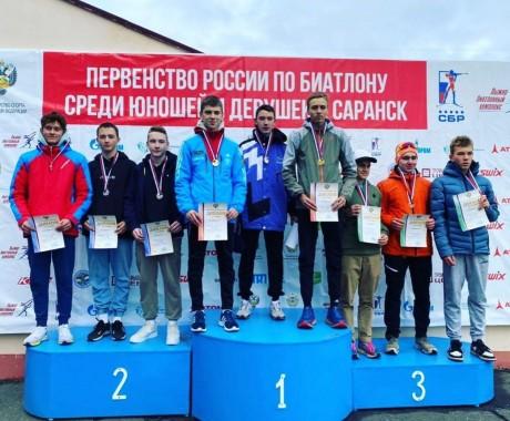 С семнадцатого — на первое! Алтайские биатлонисты одержали удивительную победу в кросс-эстафете на юношеском первенстве России